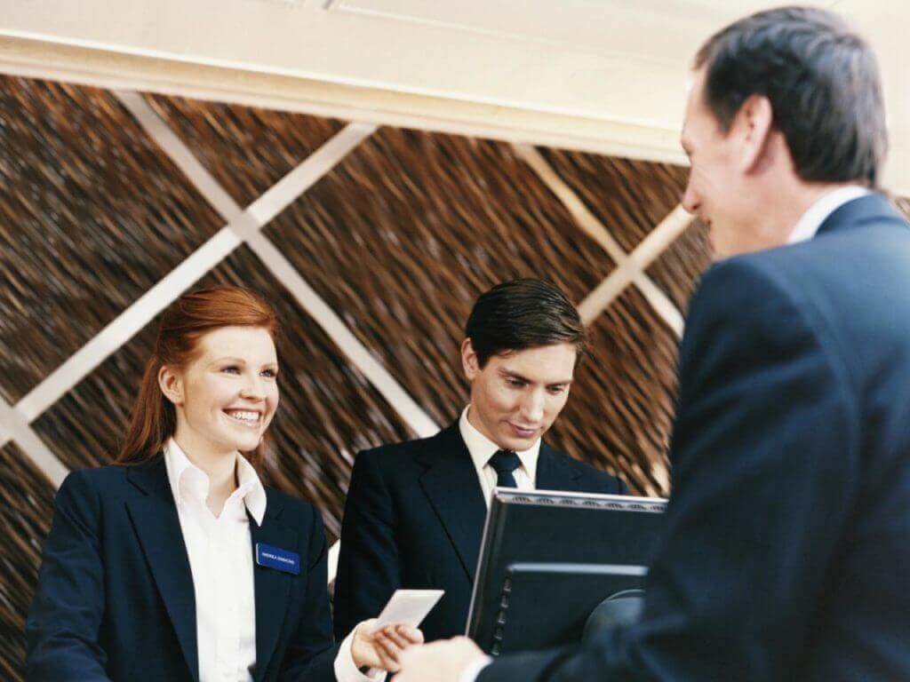 Ways To Improve Your Hotel Front Desk Team Performance