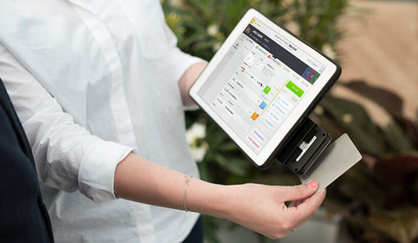 Navigating Hotel Industry Changes With A New Mobile PMS