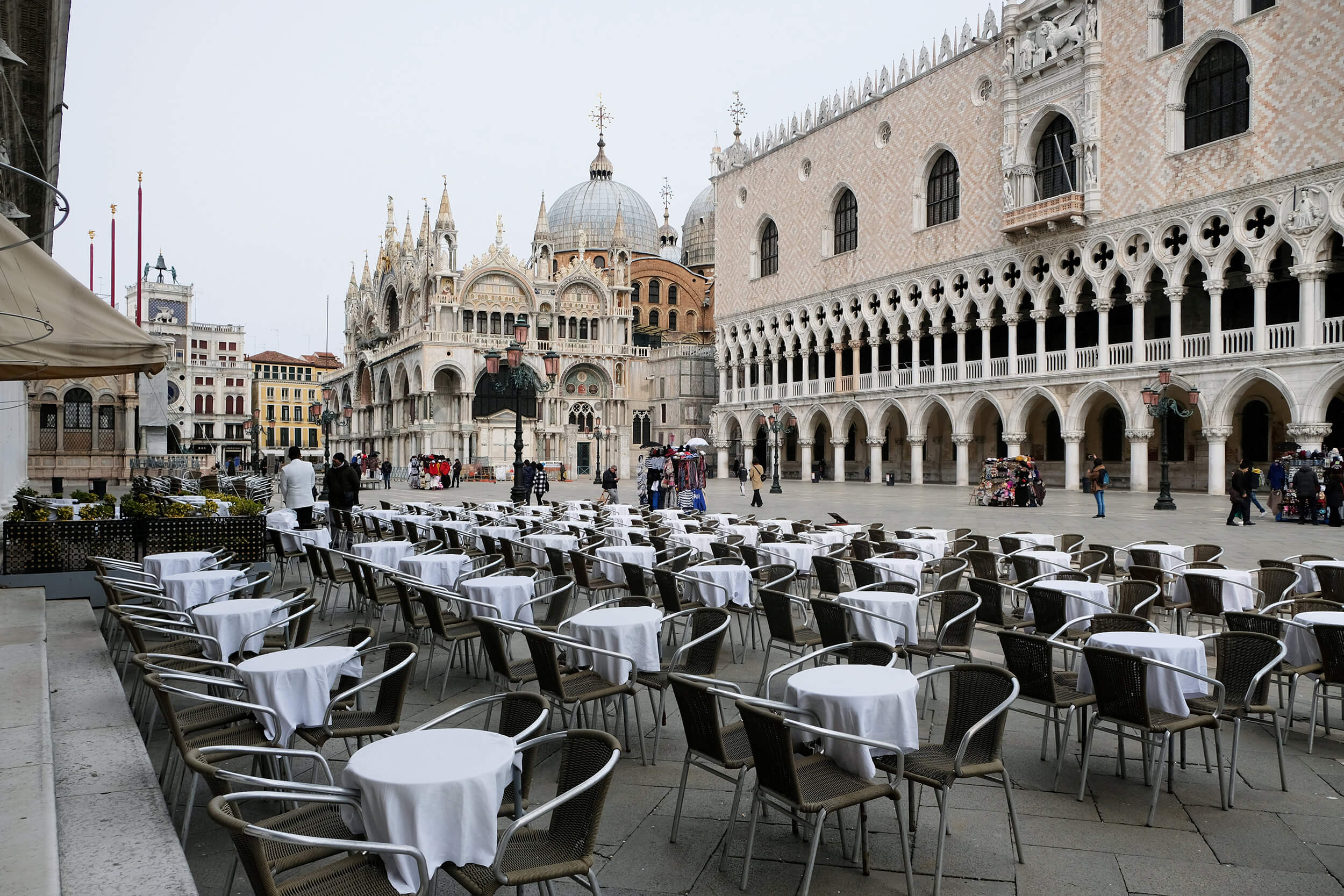 empty tables by hotels in venice italy due to covid