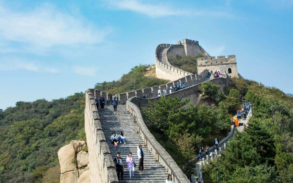 tourists on the great wall showing Chinese tourism is starting to return