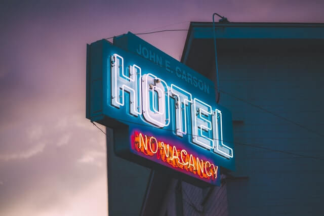 hotel no vacacny sign showing balance of supply and demand in hospitality